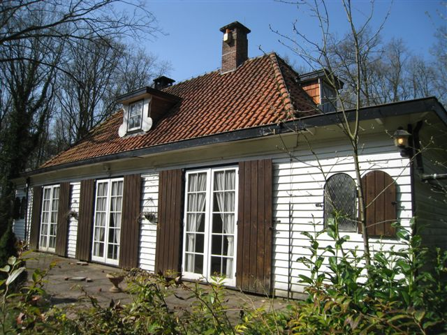 Houten huis aijer jos bedaux for Hout huis